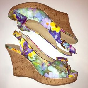 CL by Chinese laundry floral fabric sling back